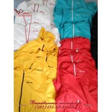 Вышивка логотипа на куртке ветровке, пошив спортивных ветровок, формы для сотрудников
