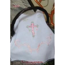 Салфетка с вышивкой в нежно-розовых тонах