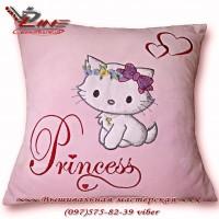 Детская подушка с вышивкой Китти