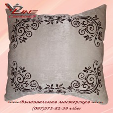 "Декоративная подушка ""Класика"" бежевого цвета"