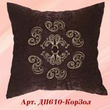 Нежная декоративная подушка шоколадного цвета
