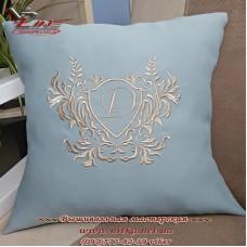 Именная подушка с вышитым инициалом - оригинальный подаркой близкому
