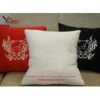 Очень красивые именные подушки с вышитой монограммой