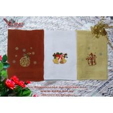 Новогодняя вышивка на наборе махровых полотенец