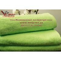 Махровое полотенце салатового цвета